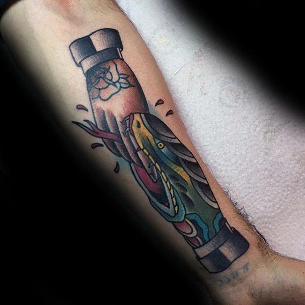 60 Handshake Tattoo Designs für Männer - symbolische Tinte Ideen