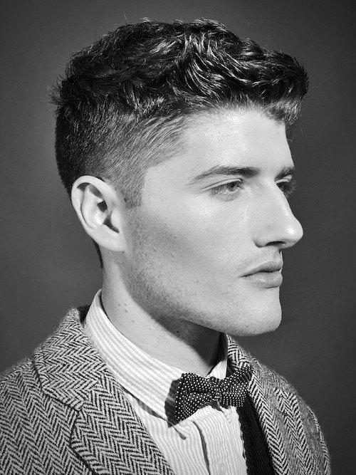 Kurzes lockiges Haar für Männer - 50 Dapper Frisuren mit natürlicher Textur