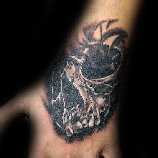 50 3D Hand Tattoo Designs für Männer - Masculine Ink Ideen