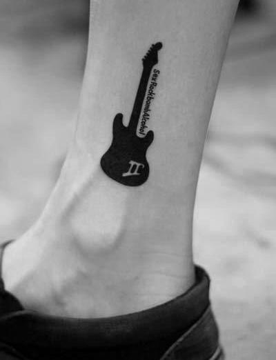 40 einfache Musik Tattoos für Männer - Musical Ink Design-Ideen