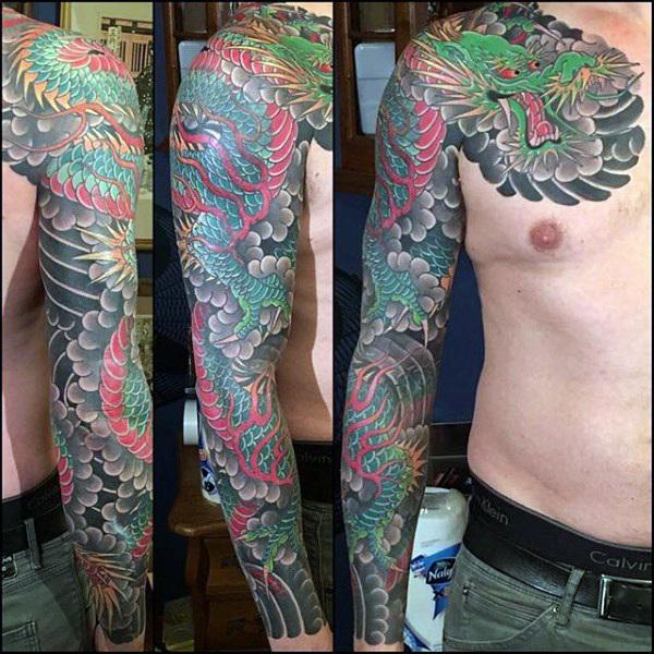 100 Dragon Sleeve Tattoo Designs für Männer - Fire Atmung Tinte Ideen