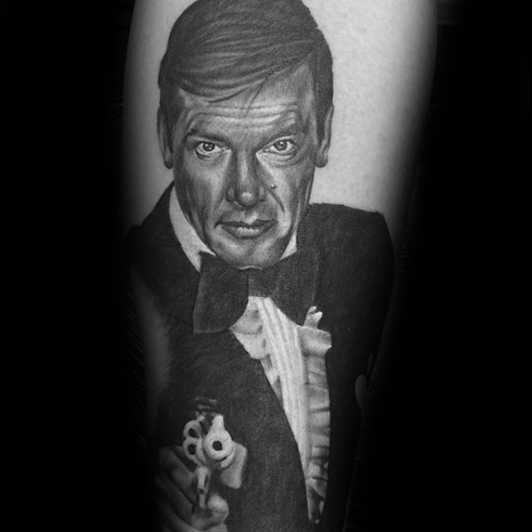 30 James Bond Tattoo Designs für Männer - 007 Tinte Ideen