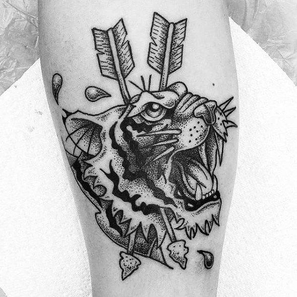 50 kleine Pfeil Tattoos für Männer - Manly Design-Ideen