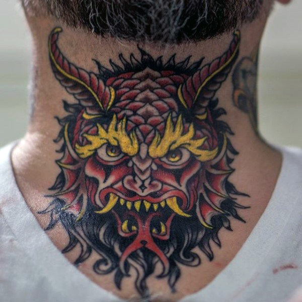 80 Kehle Tattoos für Männer - Cool Masculine Design-Ideen