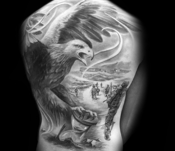 60 Badass Eagle Tattoos für Männer - Vogel Design-Ideen