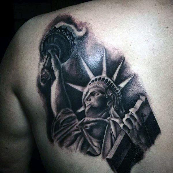 70 Freiheitsstatue Tattoo Designs für Männer - eine kolossale neoklassische Skulptur