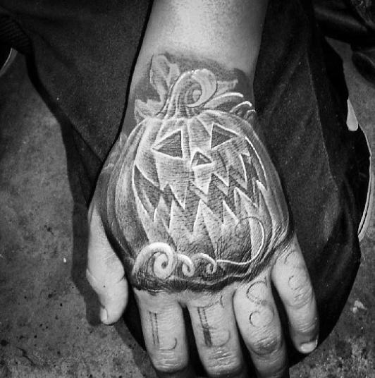 60 Kürbis-Tattoos für Männer - Jack O 'Lantern Design-Ideen