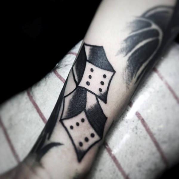 75 Würfel-Tattoos für Männer - das Spieler-Paradies bekannt als das Leben