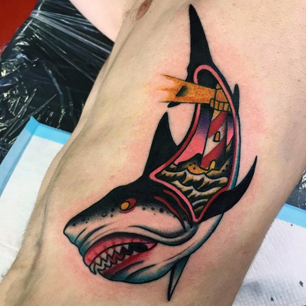 70 traditionelle Haifisch-Tätowierungs-Entwürfe für Männer - alte Schulideen
