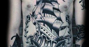 60 traditionelle Schiff Tattoo Designs für Männer - nautische Tinte Ideen