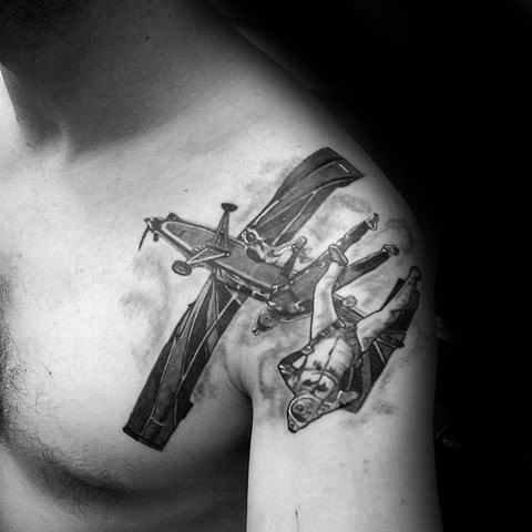 30 Fallen Tattoo Designs für Männer - Downward Ink Ideen