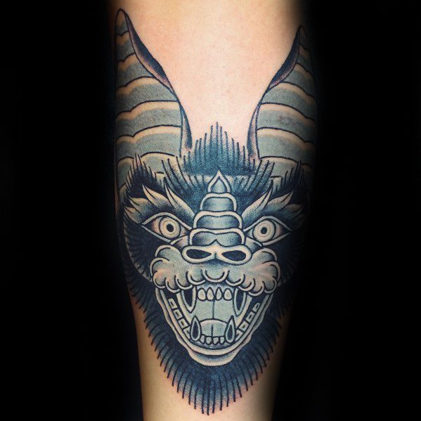 50 traditionelle Bat Tattoo Designs für Männer - Old School-Ideen