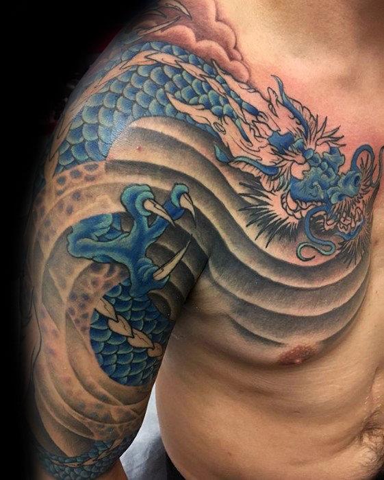 40 drachen schulter tattoo designs f r m nner manly ink. Black Bedroom Furniture Sets. Home Design Ideas
