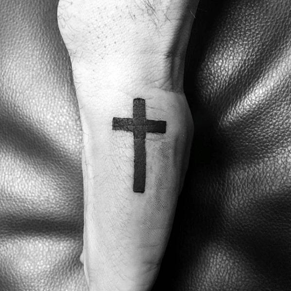 40 einfache christliche Tattoos für Männer - Faith Design Ideas