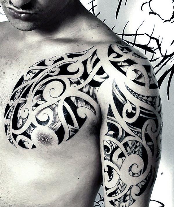 80 Tribal Schulter Tattoos für Männer - Maskuline Design-Ideen
