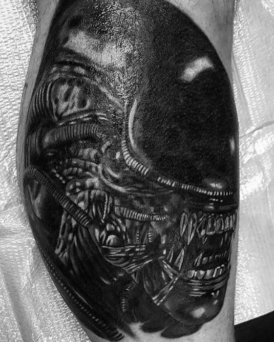 50 Xenomorph Tattoo Designs für Männer - Alien Film Ink Ideen