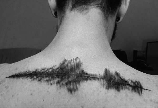 30 Soundwave Tattoo Designs für Männer - Acoustic Ink Ideen