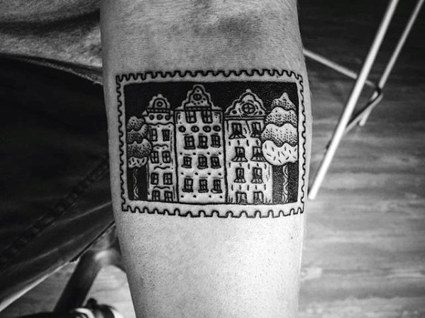 20 Briefmarke Tattoo Designs für Männer - Traveler Ink Ideen