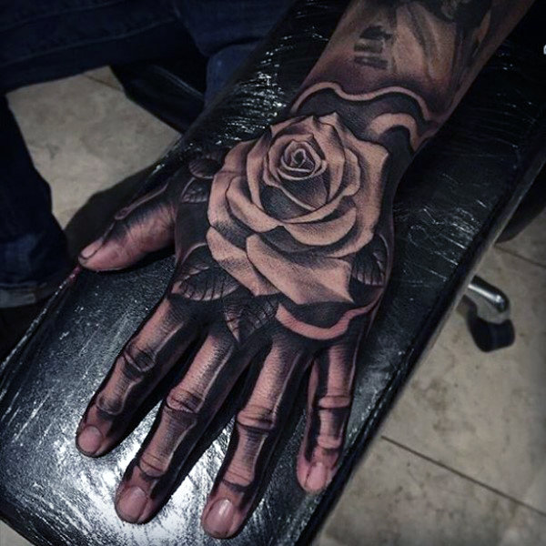 75 Skelett Hand Tattoo Designs für Männer - Manly Ink Ideen
