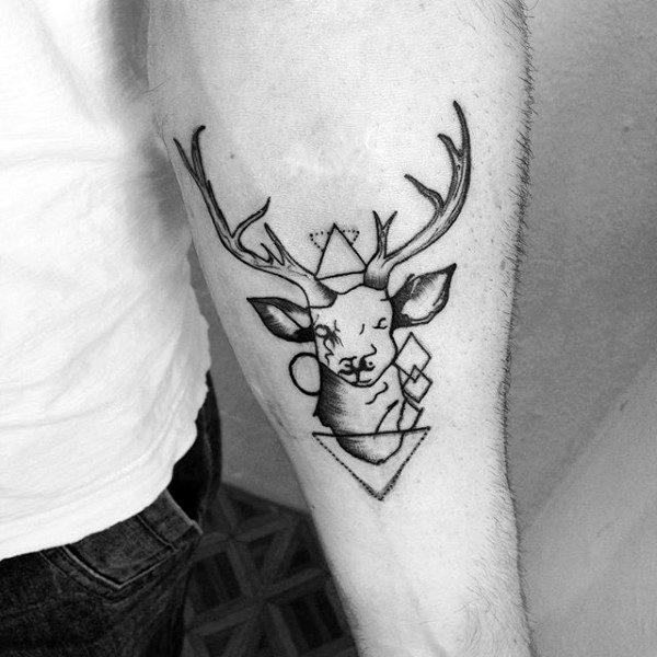 60 Moose Tattoo Designs für Männer - Geweih-Tinten-Ideen