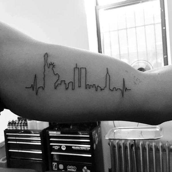 90 Minimalist Tattoo Designs für Männer - einfache Tinte Ideen