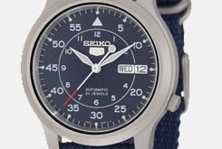 Herren Seiko 5 Blue Canvas Strap Watch
