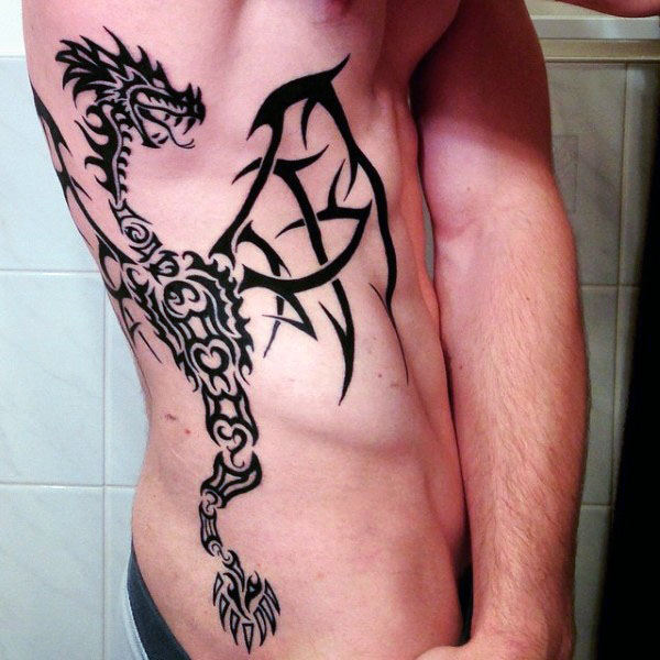 60 Tribal Dragon Tattoo Designs für Männer - antike mythologische Ideen