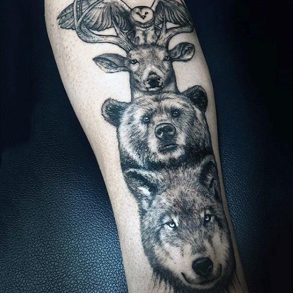 70 Totempfahl Tattoo-Designs für Männer - Carved Creation Ink