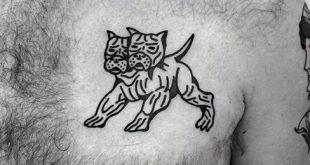 40 kleine Brust Tattoos für Männer - Manly Ink Design-Ideen