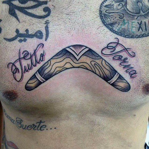 40 Boomerang Tattoo Designs für Männer - Curved Wood Ink Ideen