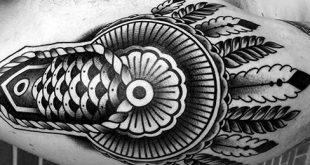 40 Epaulette Tattoo Designs für Männer - Zierschultertinte Ideen