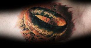 50 Herr der Ringe Tattoo Designs für Männer - Tolkien Ink Ideen