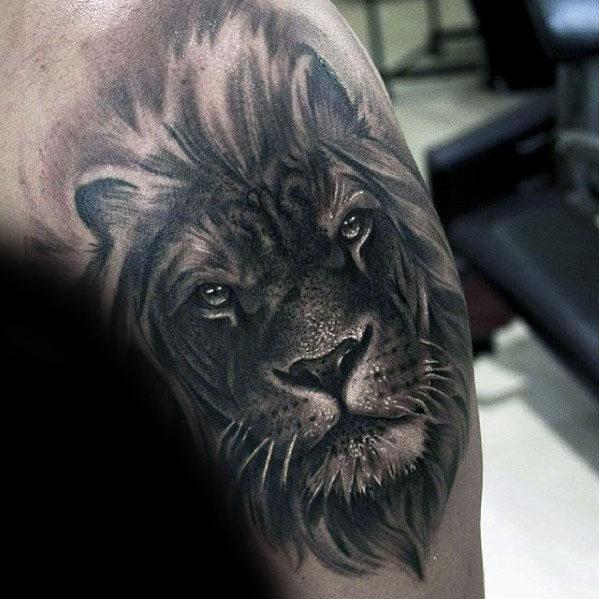 50 realistische l wen tattoo designs f r m nner felidae. Black Bedroom Furniture Sets. Home Design Ideas