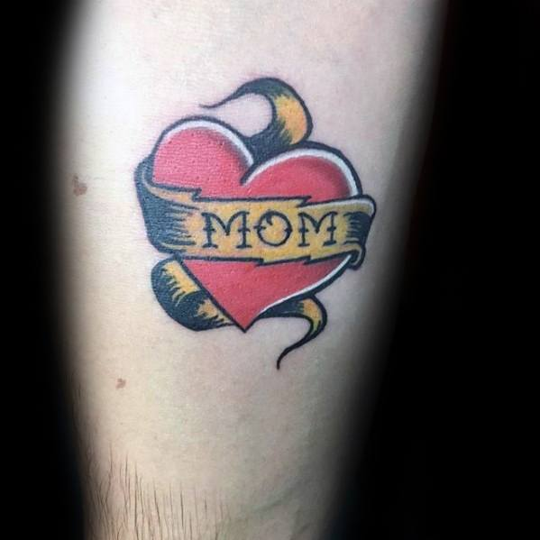 40 traditionelle Mom Tattoo Designs für Männer - Memorial Ideen
