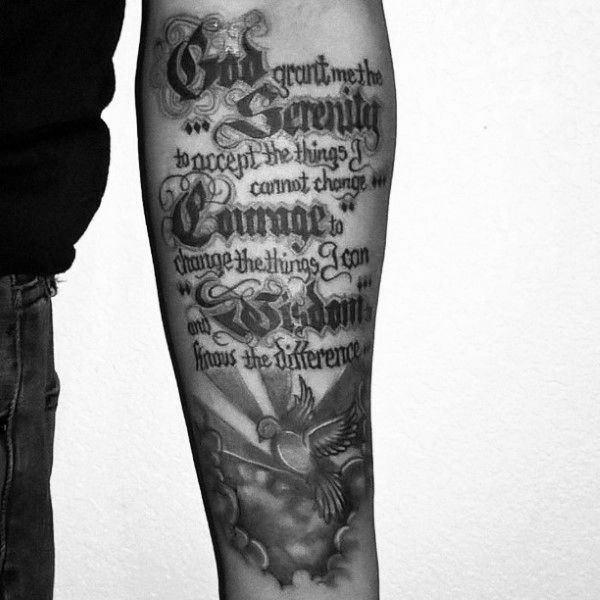 50 Serenity Prayer Tattoo Designs für Männer - Emporhebende Ideen