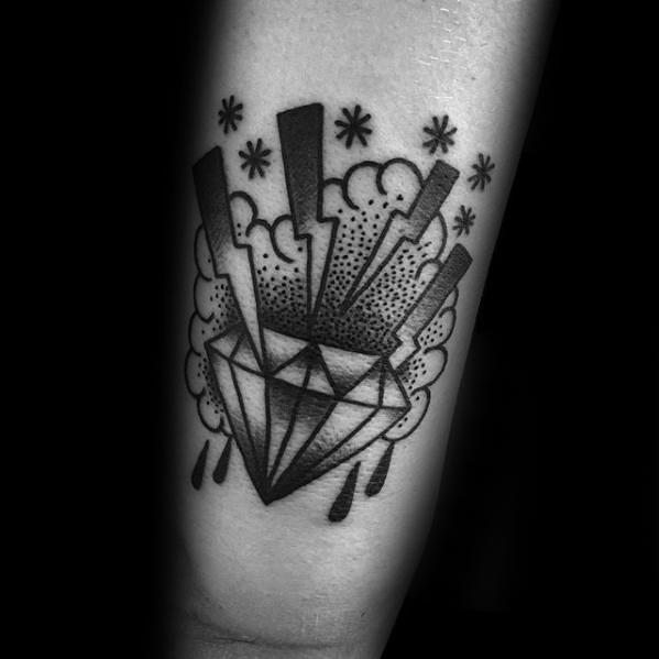50 traditionelle Diamant-Tattoo-Designs für Männer - Juwel-Tinten-Ideen
