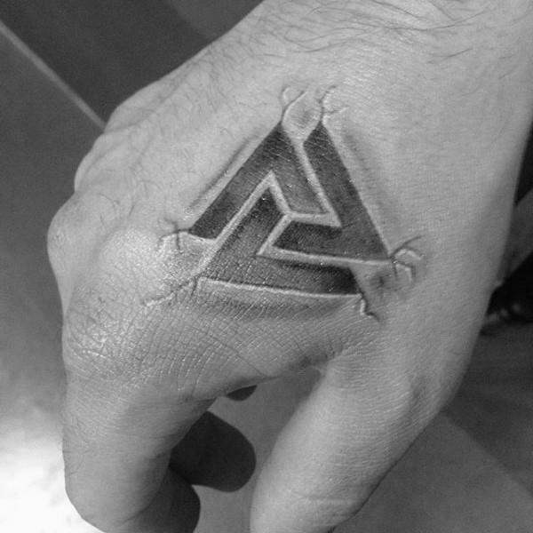 50 Valknut Tattoo-Designs für Männer - nordischen Mythologie Tinte Ideen