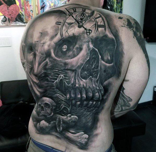 40 Schädel zurück Tattoo Designs für Männer - Maskulin Tinte Ideen