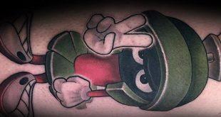 40 Marvin Die Martian Tattoo Designs für Männer - Cartoon-Tinte Ideen