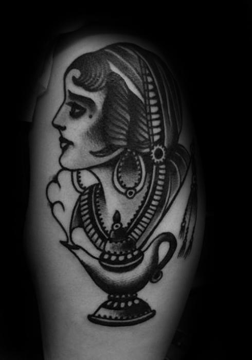 30 Genie Lampe Tattoo Designs für Männer - Spirit Ink Ideen
