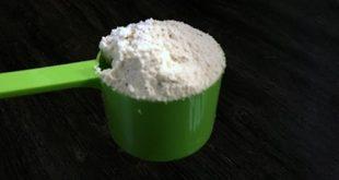 Wie viele Schaufeln Protein sollte ich nehmen - tägliche Ergänzung Pulver