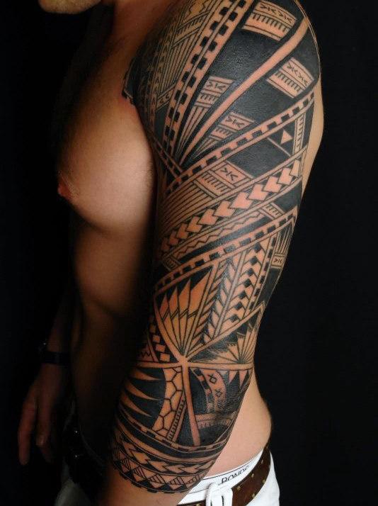 90 Tribal Sleeve Tattoos für Männer - Manly Arm Design-Ideen