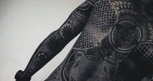 120 Full Back Tattoos für Männer - Maskulin Ink Designs