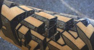 Tattoo Peeling 101 - Warum Ihre frisch eingefärbte Haut abplatzt
