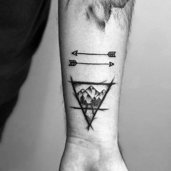 50 kleine pfeil tattoos f r m nner manly design ideen mann stil tattoo. Black Bedroom Furniture Sets. Home Design Ideas