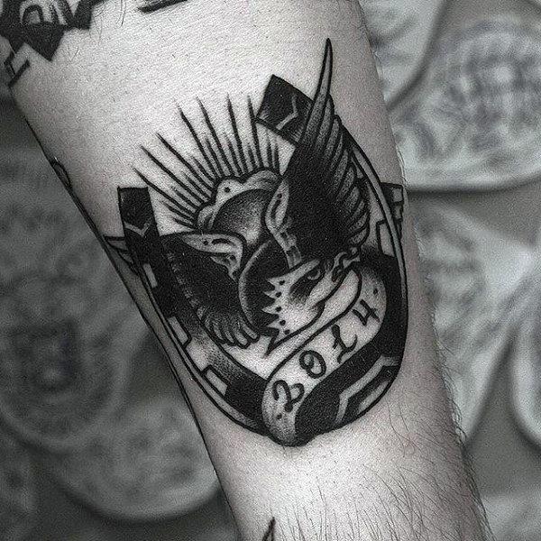60 Hufeisen Tattoo-Designs für Männer - Good Luck Ink Ideen