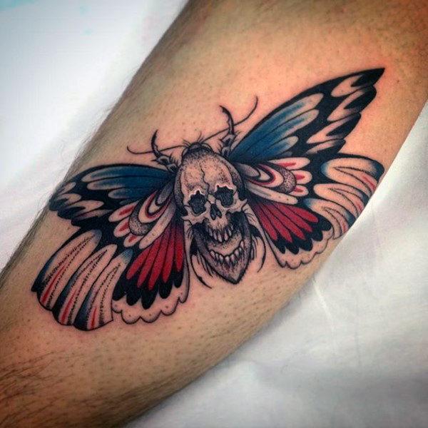 90 Motte Tattoos für Männer - nächtliche Insekten Design-Ideen