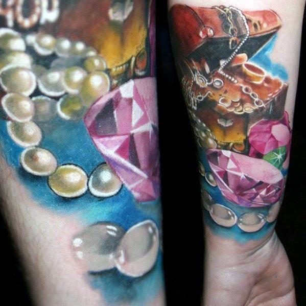 40 Schatztruhe Tattoo Designs für Männer - wertvolle Tinte Ideen