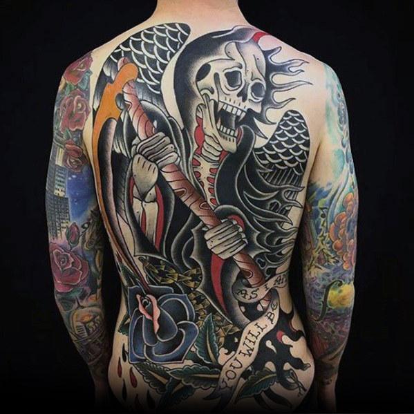 40 Badass zurück Tattoos für Männer - Maskulin Design-Ideen