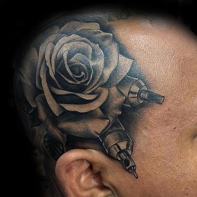 80 Schwarze Rose Tattoo Designs Fur Manner Dunkle Tinte Ideen
